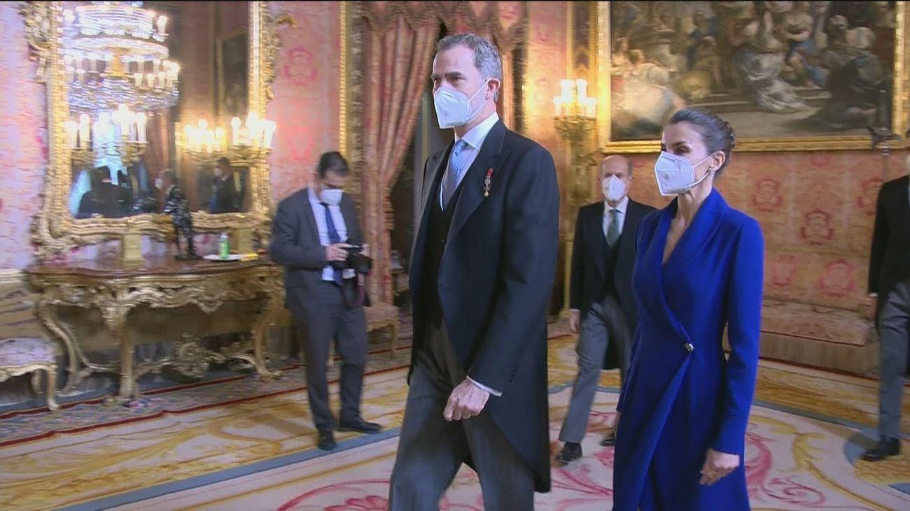 Felipe VI se congela el sueldo y destina la asignación de su padre a la modernización digital