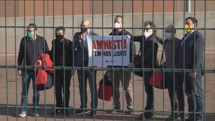 """Los presos del """"procés"""" salen de la cárcel y se confirma el 14-F para las elecciones catalanas"""
