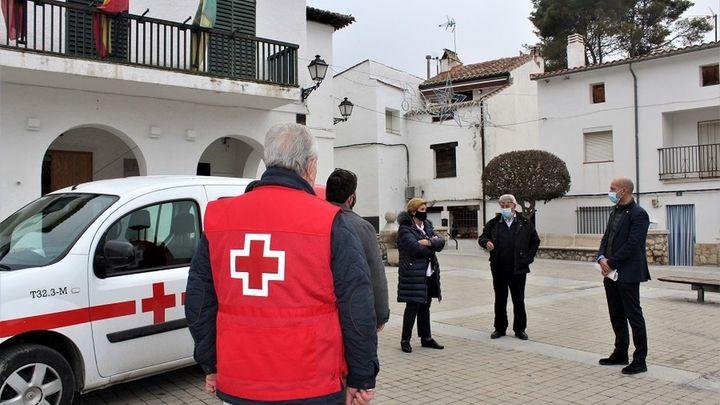 Villar del Olmo y Cruz Roja acuerdan el traslado sanitario de mayores con problemas de movilidad