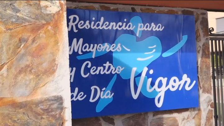 El alcalde de Becerril y familiares de la residencia denuncian la falta de información del centro