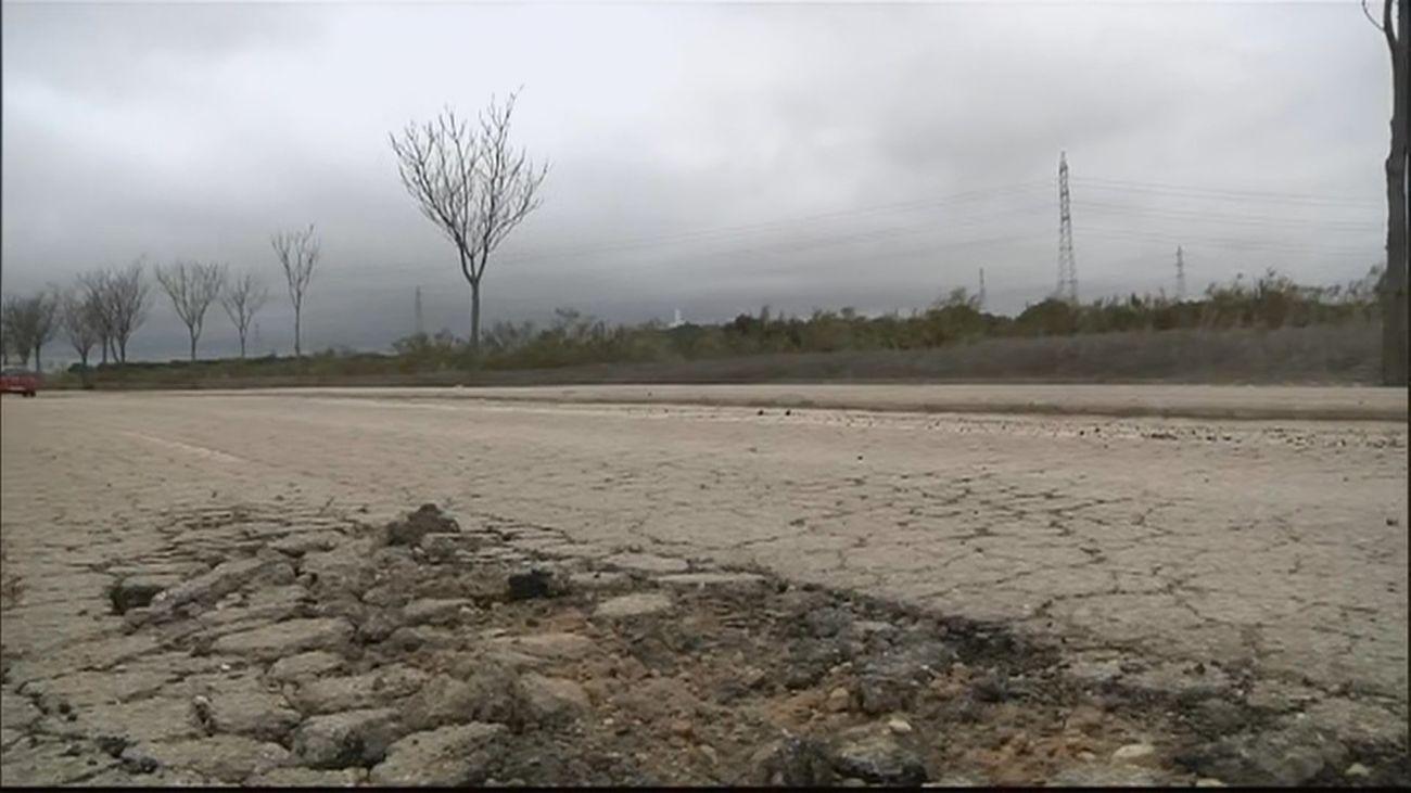 Los vecinos de Perales del Río piden el arreglo de una carretera en mal estado