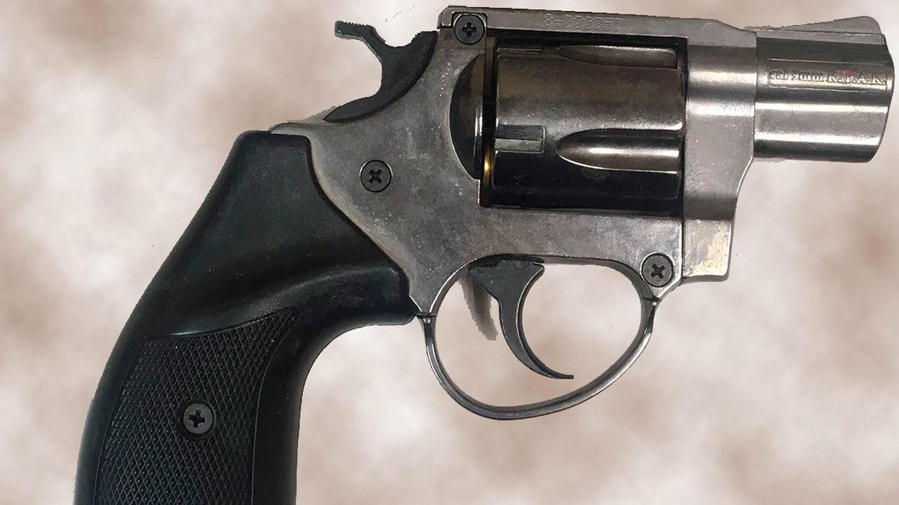 Arma detonadoraempleada por el detenido