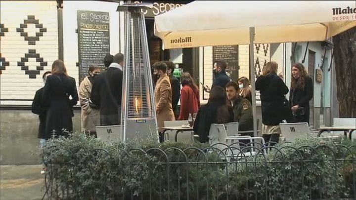 Madrid ampliará a 6 las personas que podrán sentarse en la misma mesa en las terrazas