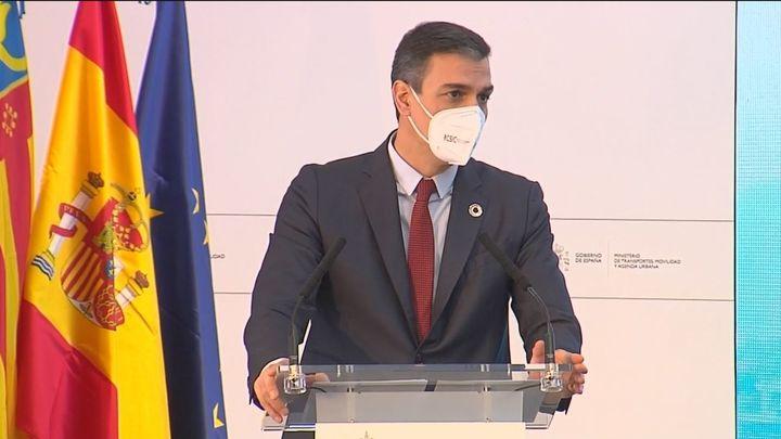 """Sánchez augura la """"recuperación total de la movilidad en los próximos meses"""" mientras Darias pide más restricciones"""
