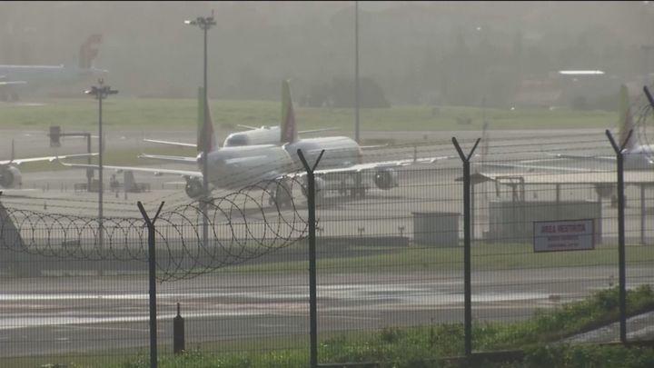 El Gobierno restringe los vuelos desde Brasil y Sudáfrica para frenar la llegada de las nuevas cepas