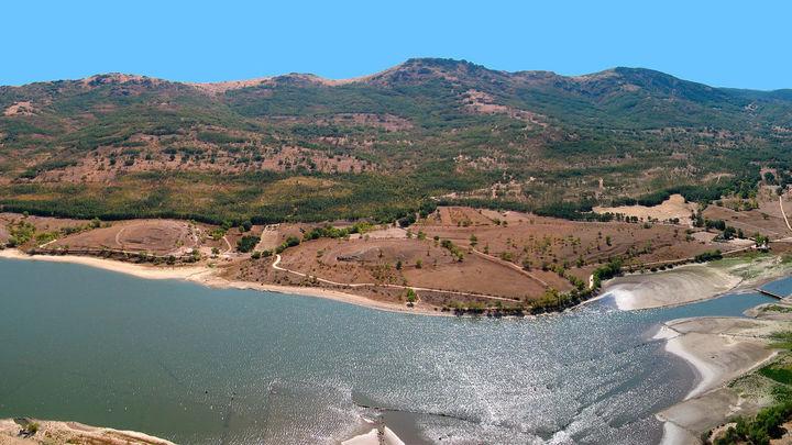 El embalse de Pinilla, algo más que una presa en pleno valle de Lozoya