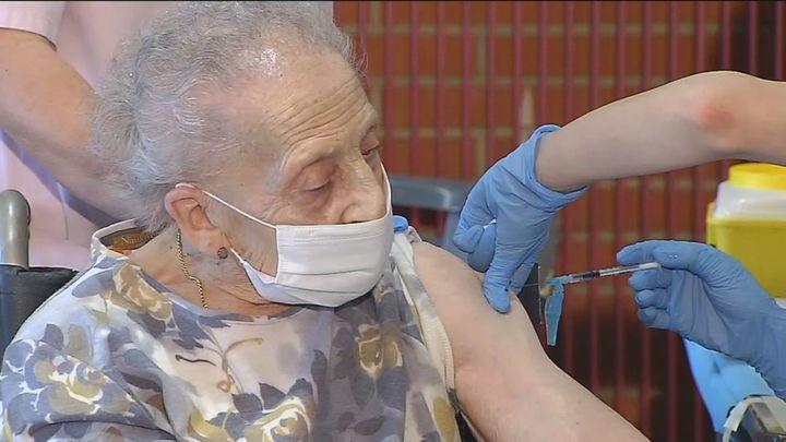 Los mayores de 80 años no recibirán la vacuna deAstraZeneca
