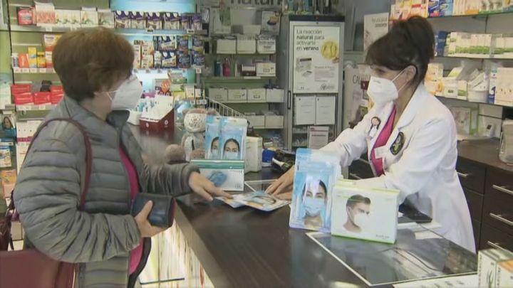 Una mascarilla gratuita para mayores de 65 añosen Farmaciasdesde este jueves