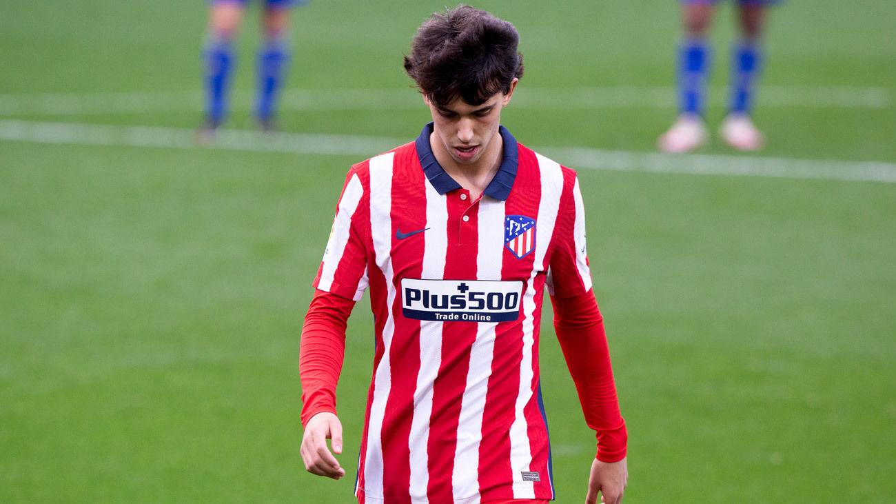Joao Felix, positivo por Covid-19, en el partido contra el Cádiz