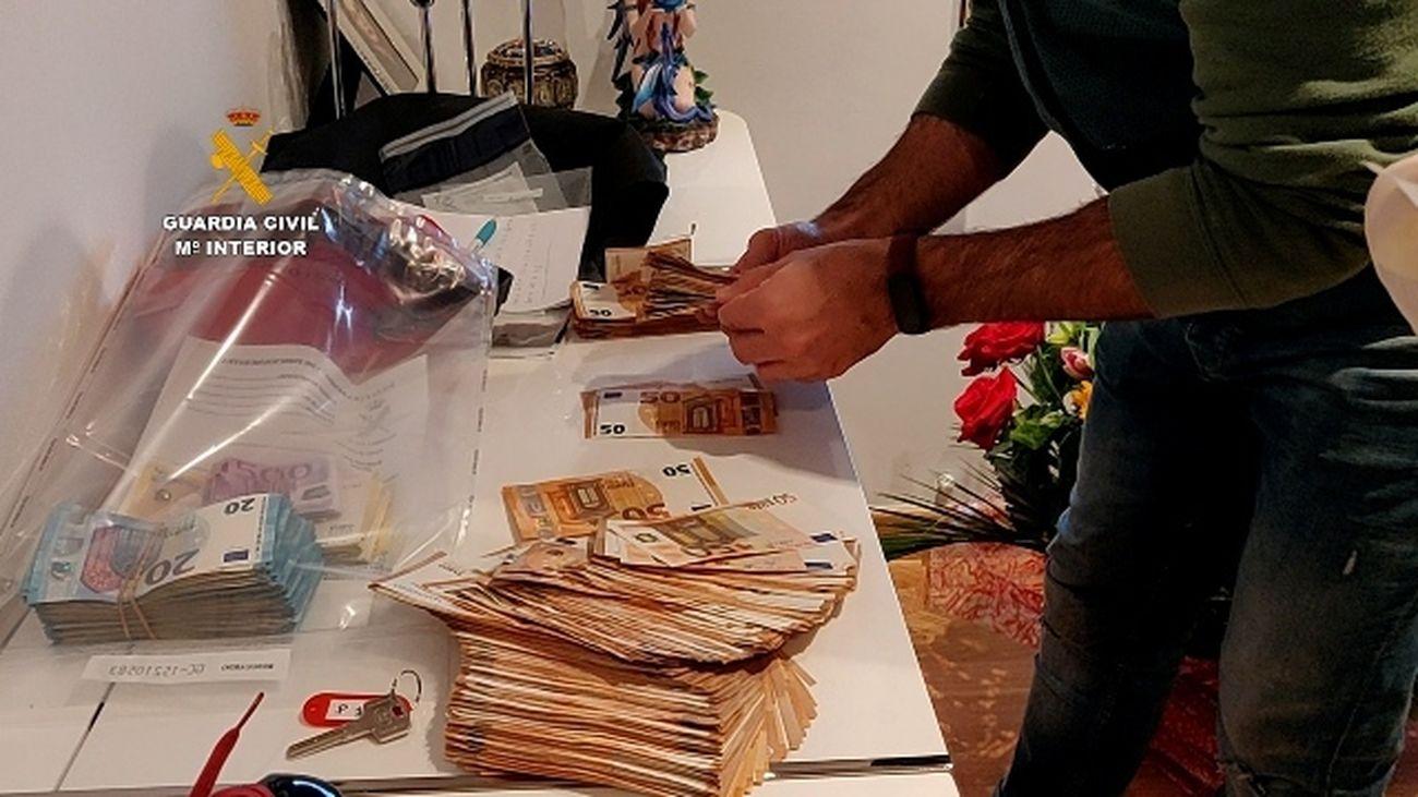 Detenidos los diez integrantes de una organización criminal que llegó a estafar más de 4 millones de euros