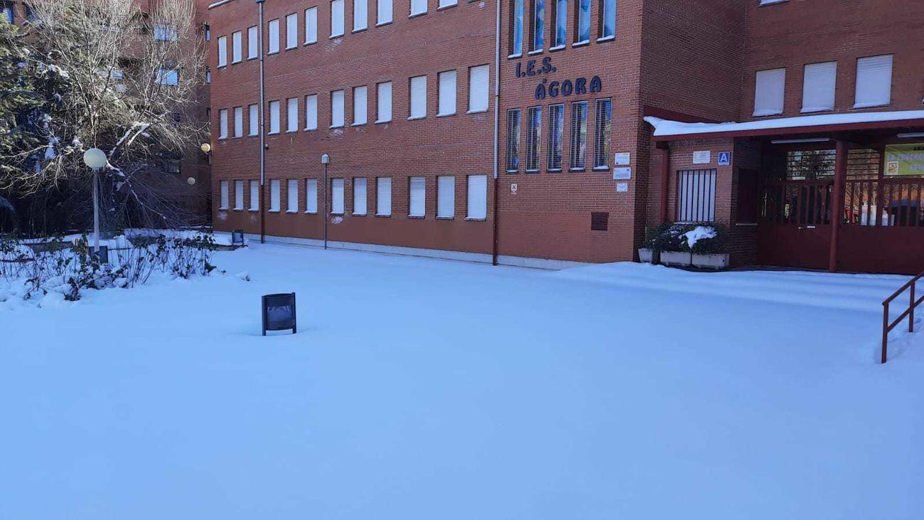 El IES Ágora de Alcobendas tras las nevadas de este enero