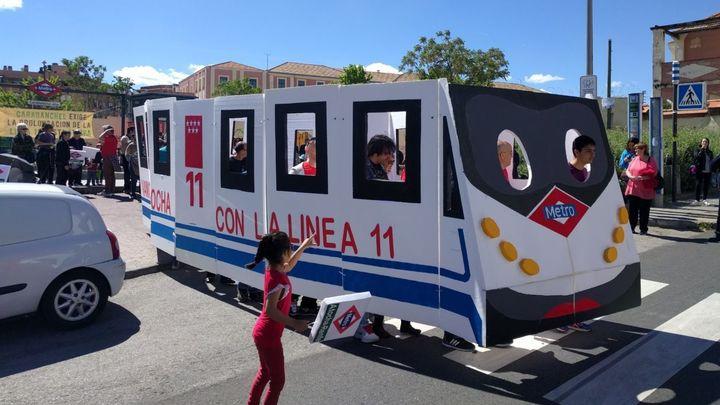 Quejas por la reducción de vagones en la línea 11 del Metro de Madrid