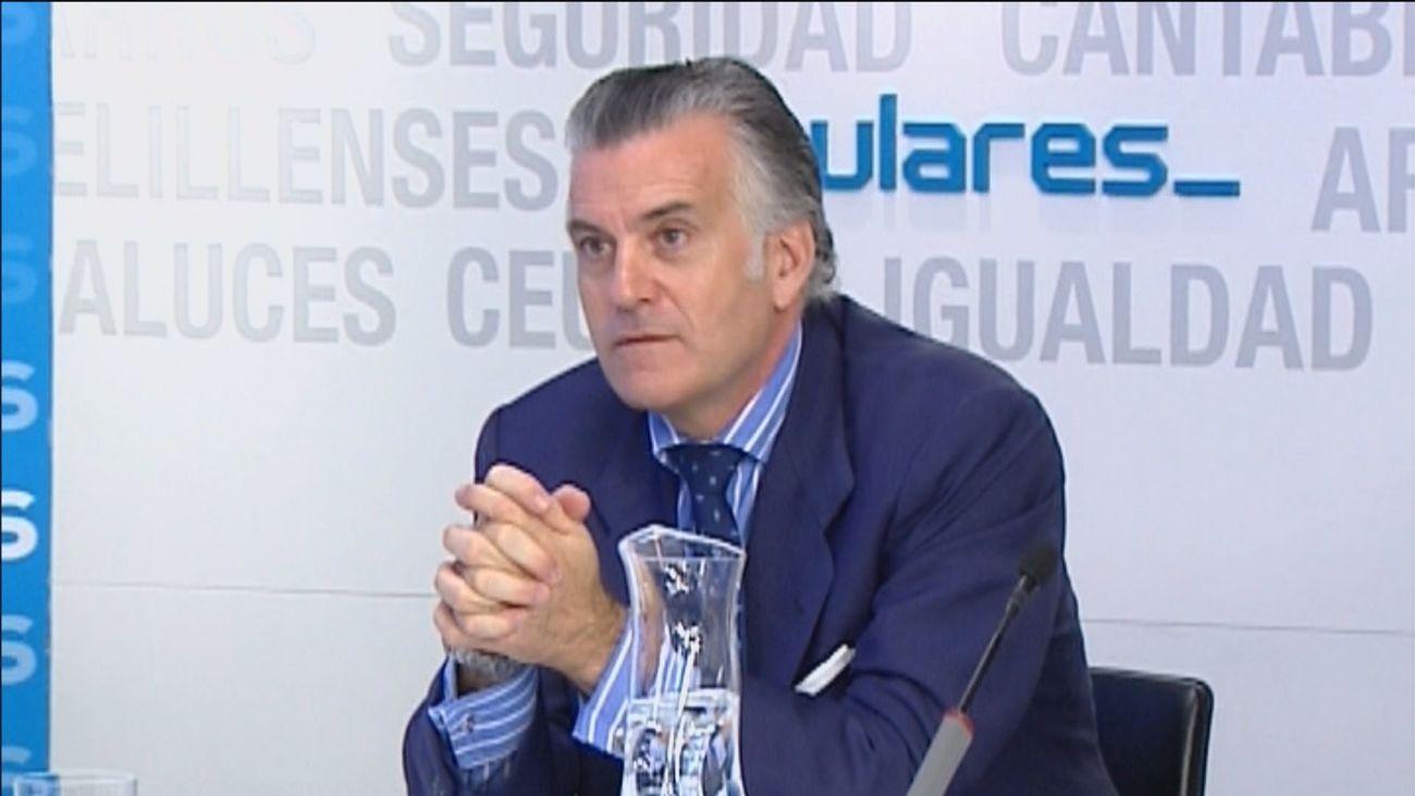 La dirección del PP se desvincula de las denuncias de Bárcenas ante los reproches del resto de formaciones