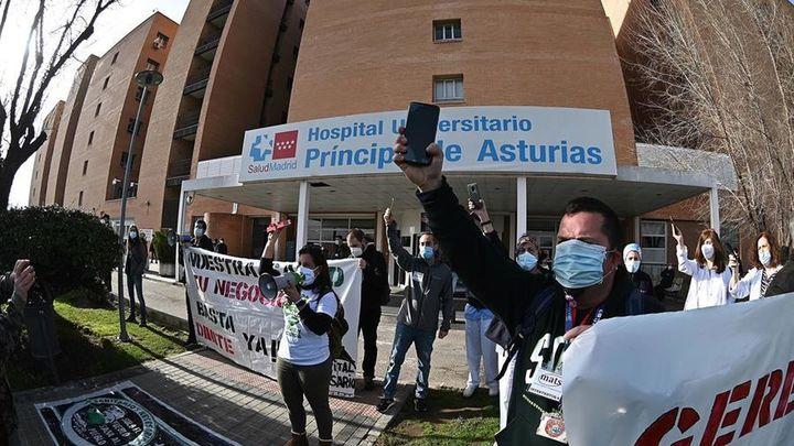 División en el gobierno madrileño sobre qué hacer con la gerente del Hospital Príncipe de Asturias