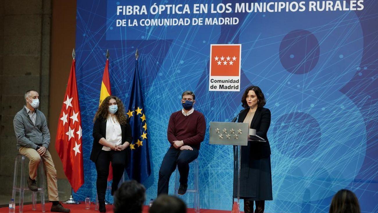 Presentación de la llegada de la fibra óptica a 78 localidades de Madrid
