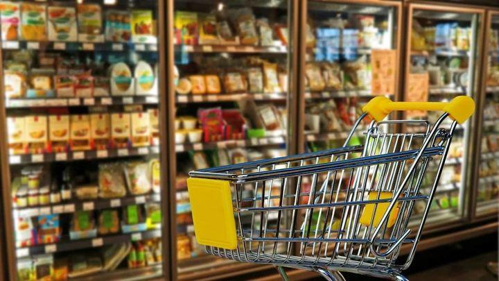 Ligar mientras se hace la compra: la iniciativa de un supermercado alemán para sociabilizar en tiempos de pandemia
