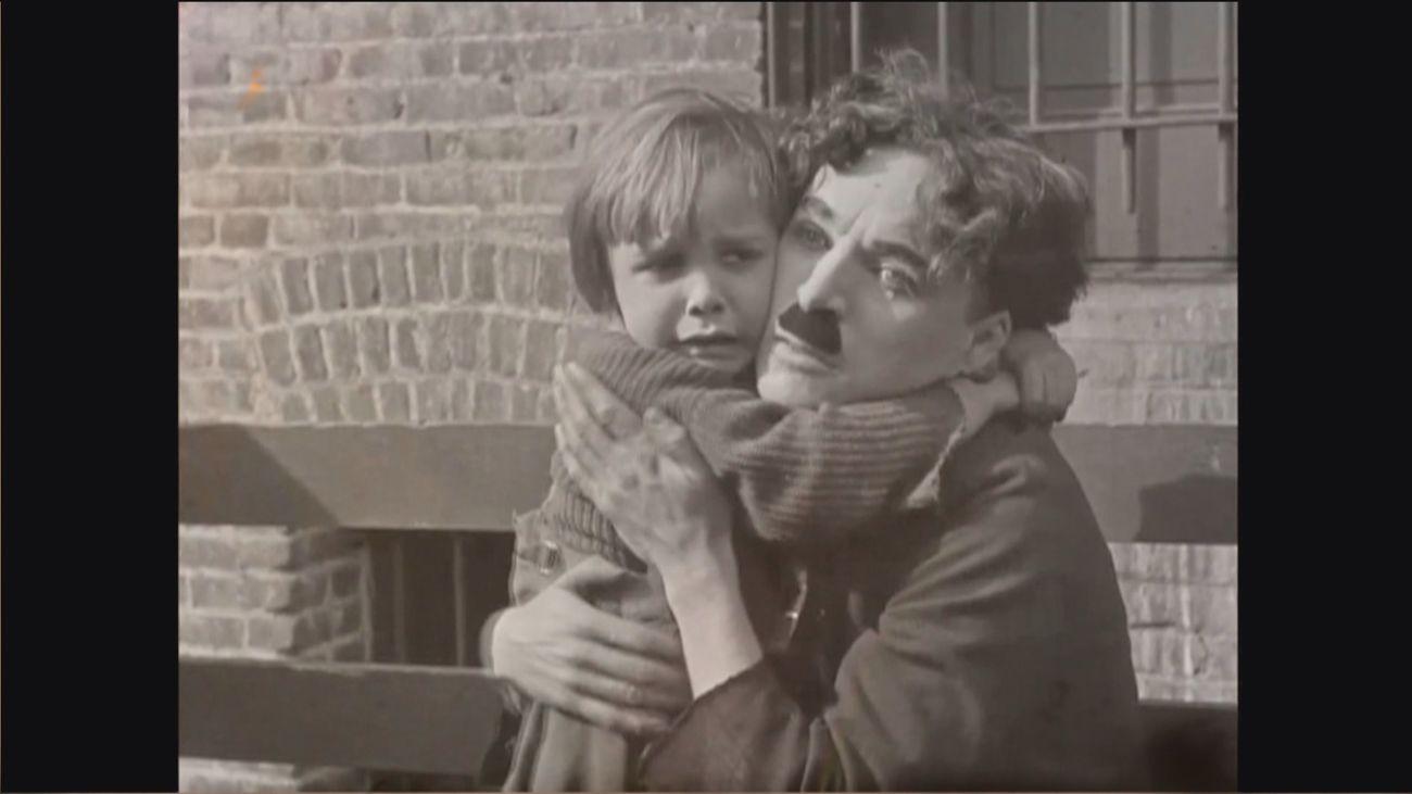 La obra maestra de Chaplín, 'El Chico', cumple cien años y vuelve a los cines
