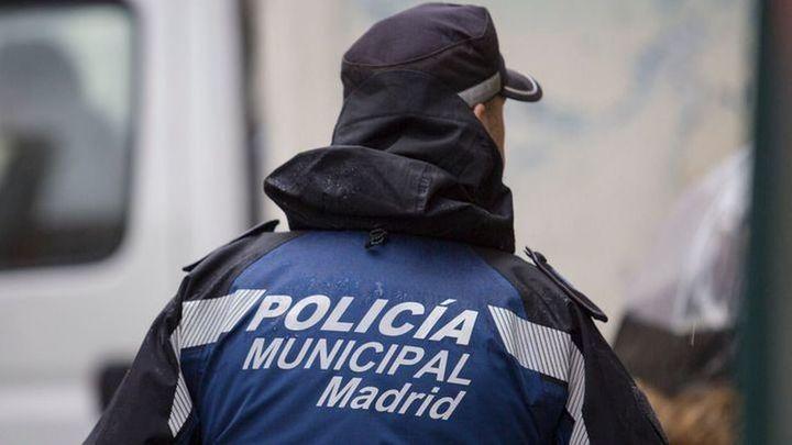 Desalojan dos fiestas ilegales en un local comercial de Ópera y un restaurante de Chamberí con 82 personas