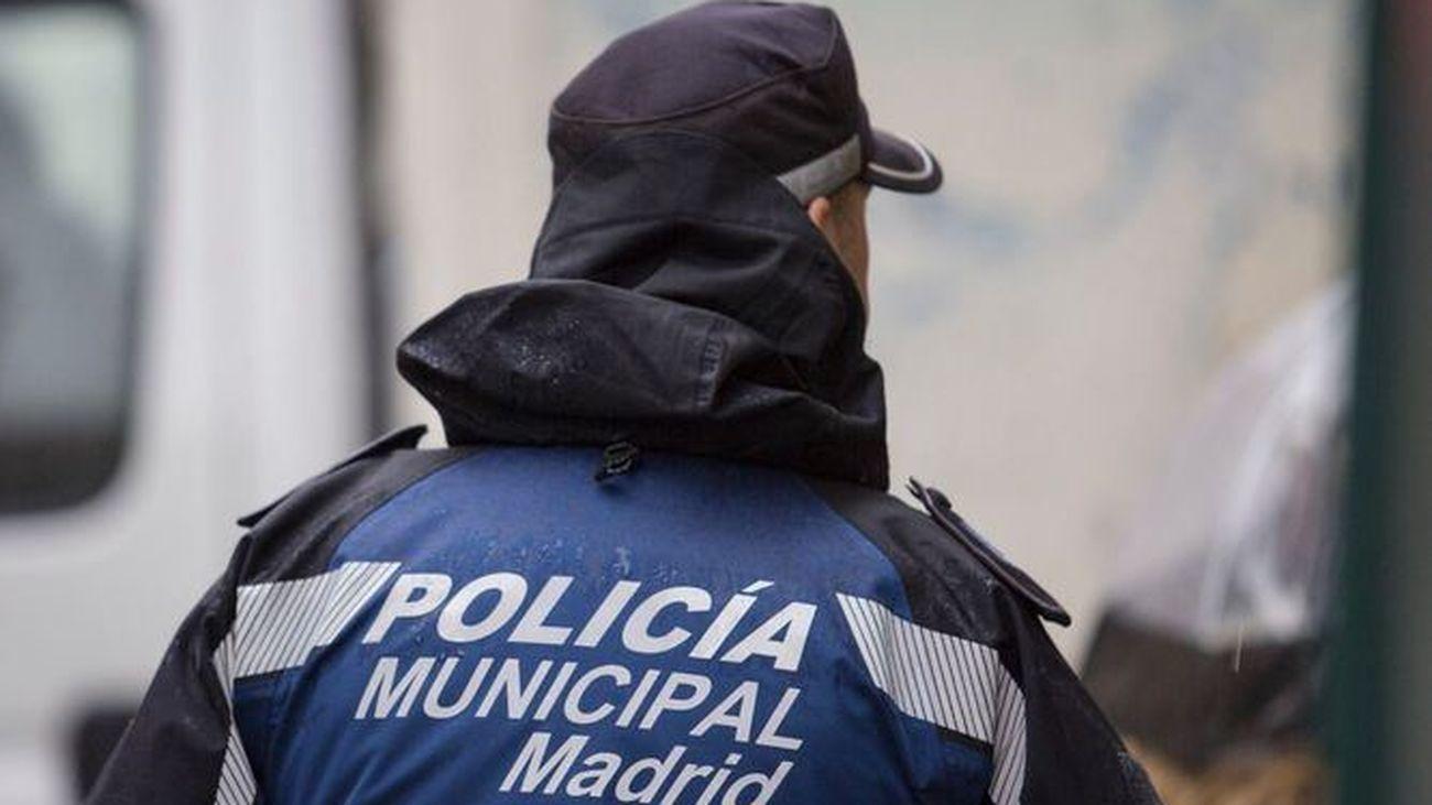 La Policía Municipal detuvo o imputó en 2020 a 7.479 personas, un 19% menos, y todos los delitos bajaron por la pandemia