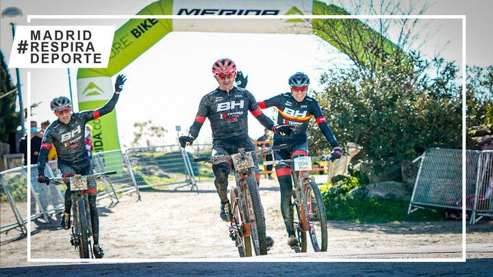 Rocío del Alba García y Carlos Coloma, vencedores de la Clásica MTB de Valdemorillo