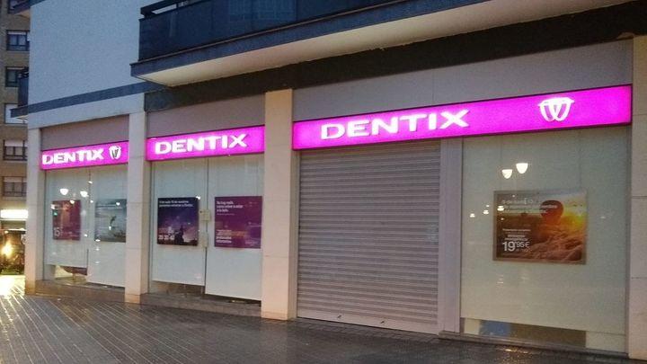 Huelga indefinida en Dentix para conseguir las nóminas pendientes de los trabajadores