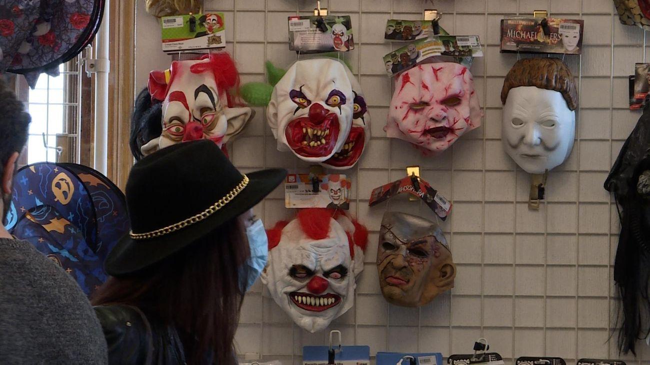Disfraces de carnaval en un establecimiento
