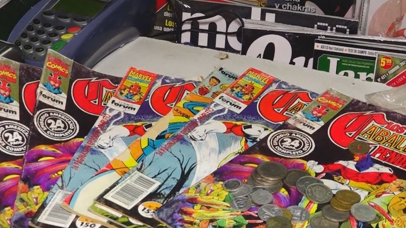 La solidaria historia del kiosko madrileño que  vende sus cómics a cambio de pesetas