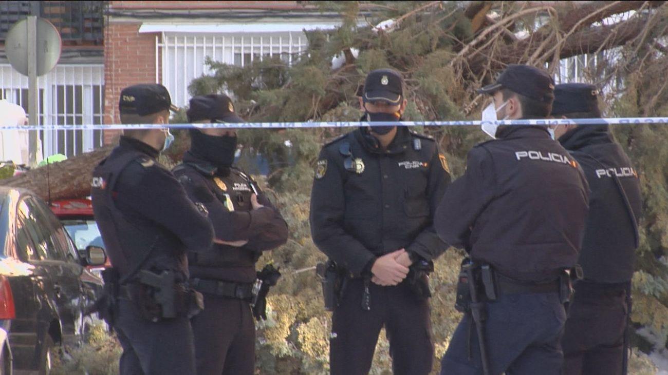 Policías, bomberos y docentes, siguientes en ser vacunados con Astrazeneca