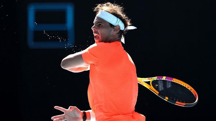 Nadal  debuta con victoria en Australia a pesar de la espalda