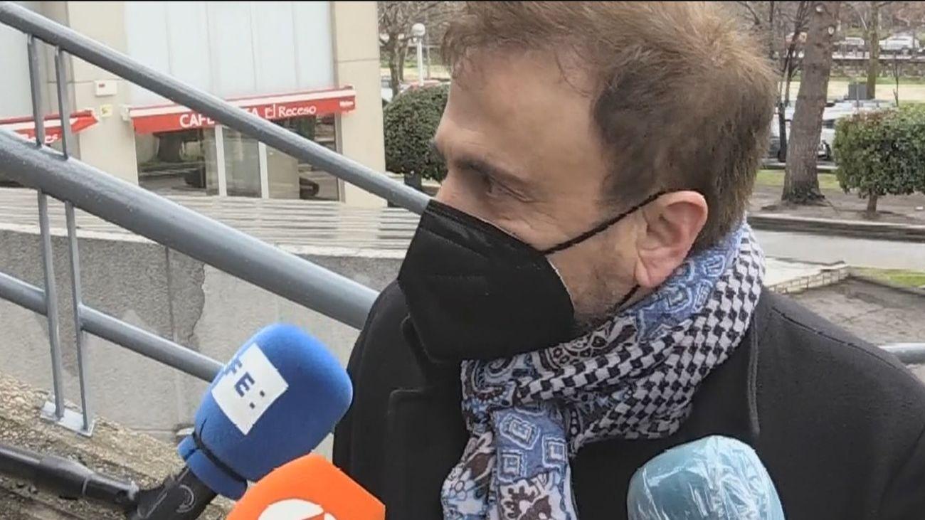 Los estafados por 'el hombre de los 2.000 tumores' exigen la devolución del dinero donado y daños