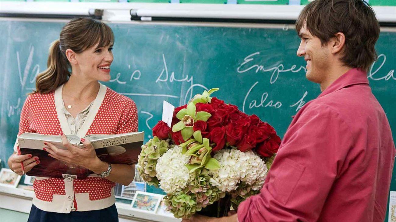 Julia Roberts y Ashton Kutcher, en 'Historias de San Valentin'.