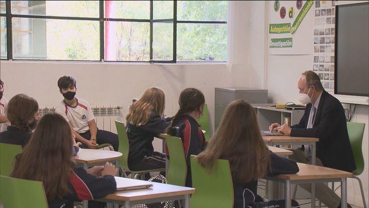 Celaá y las Comunidades insisten en que los colegios son lugares seguros ante el Covid
