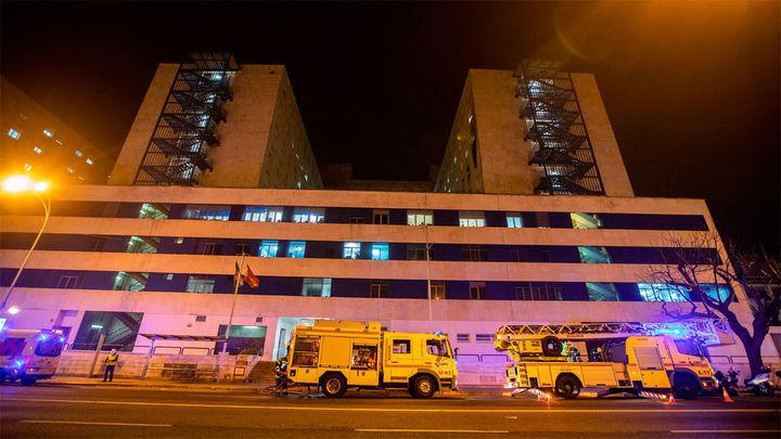 Detenido un paciente Covid por provocar un incendio en el hospital Puerta del Mar de Cádiz