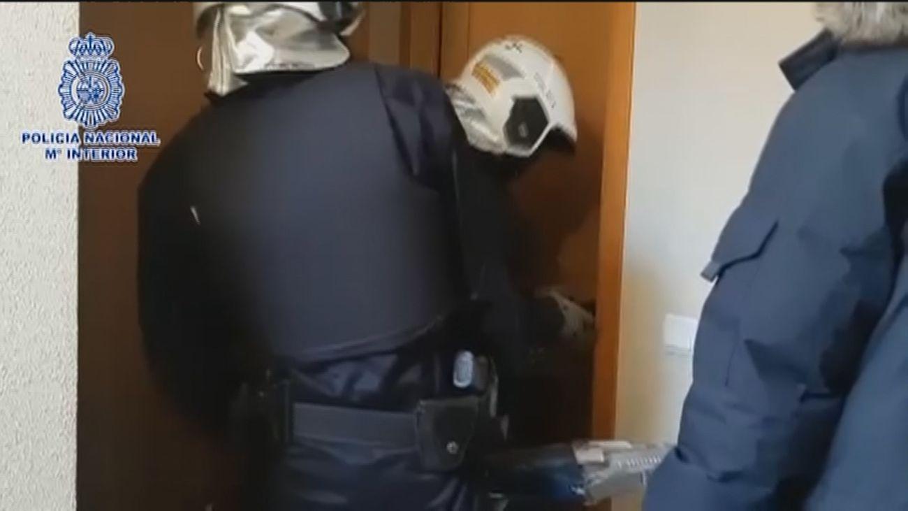 """Caen tres narcopisos en Tetuán, con 16 detenidos que actuaban como """"una secta con máxima obediencia al líder"""""""