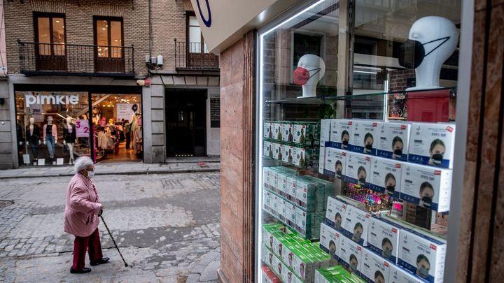 El Gobierno endurece los requisitos para que las mascarillas de tela no puedan venderse como higiénicas