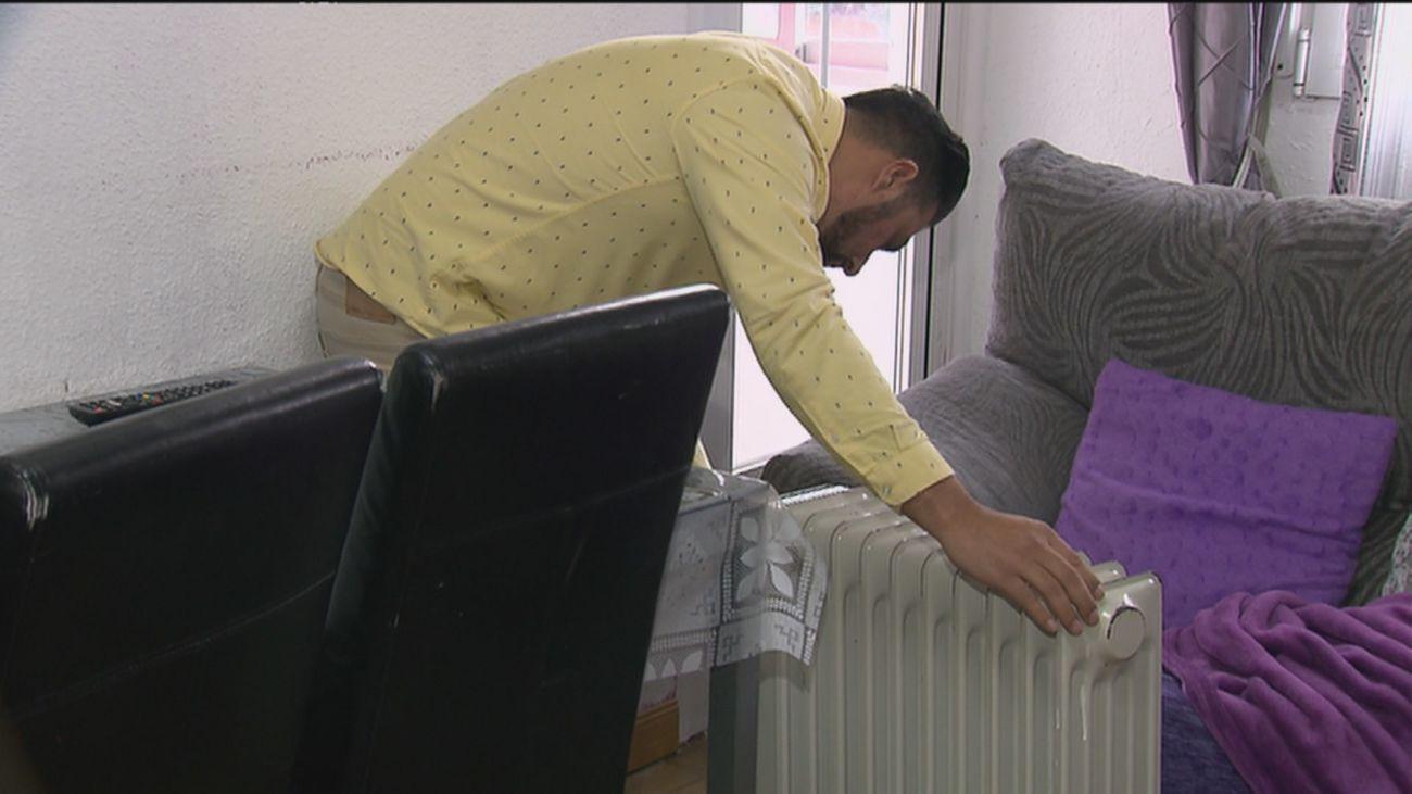 70 vecinos sin calefacción en la calle Baeza y sin poder entrar en el piso donde se originó la avería
