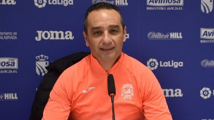 """Oltra, entrenador del Fuenlabrada: """"El entrenador solo vive del resultado"""""""