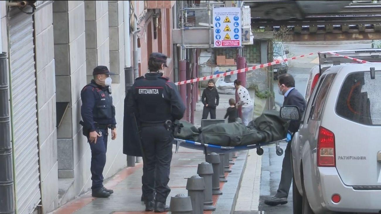 Mata a su mujer a hachazos en Sestao (Bizkaia) y se suicida arrojándose a la ría