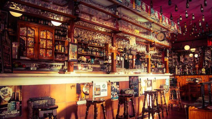 ¿Puede soportar la hostelería otro golpe si tienen que cerrar el interior de los bares?