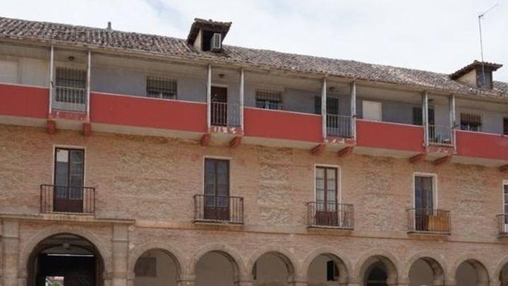 Desalojadas 5 familias de la Casa Atarfe de Aranjuez por daños en su estructura