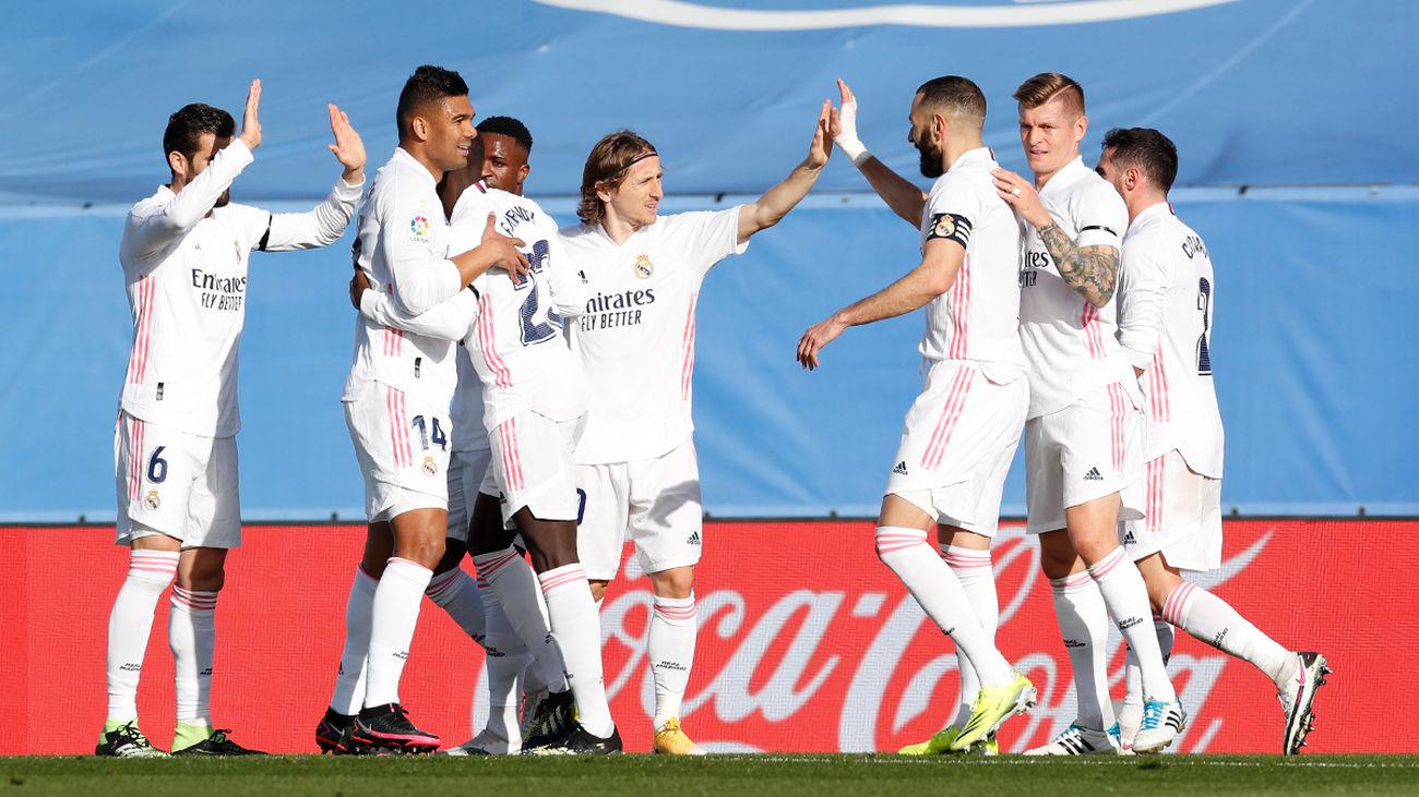 El Real Madrid firma su tercer triunfo consecutivo (2-0)