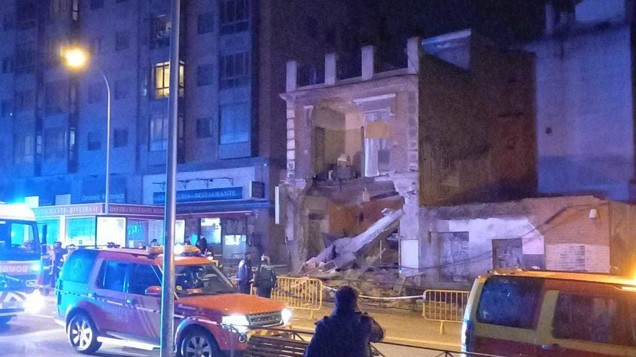 Fachada derrumbada en la calle Marqués de Viana