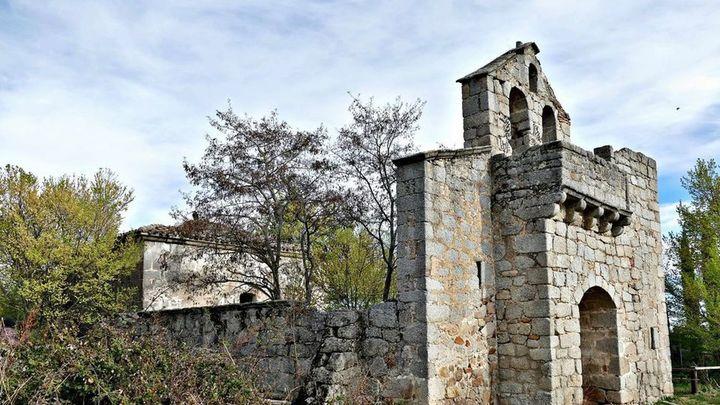'Salvemos Navalquejigo' pide a la Comunidad de Madrid que se proteja el conjunto medieval