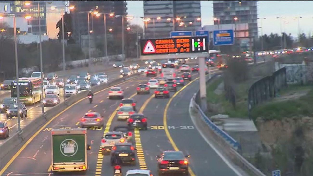 Primeros cortes al tráfico en la  Castellana  por las obras de remodelación del Nudo Norte