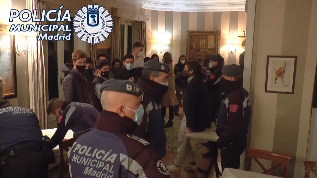 La policía municipal desaloja una fiesta ilegal en Madrid