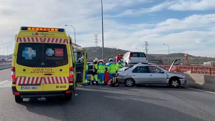 Un gruísta muerto y un chófer de VTC grave tras ser atropellados por un vehículo en la M-45