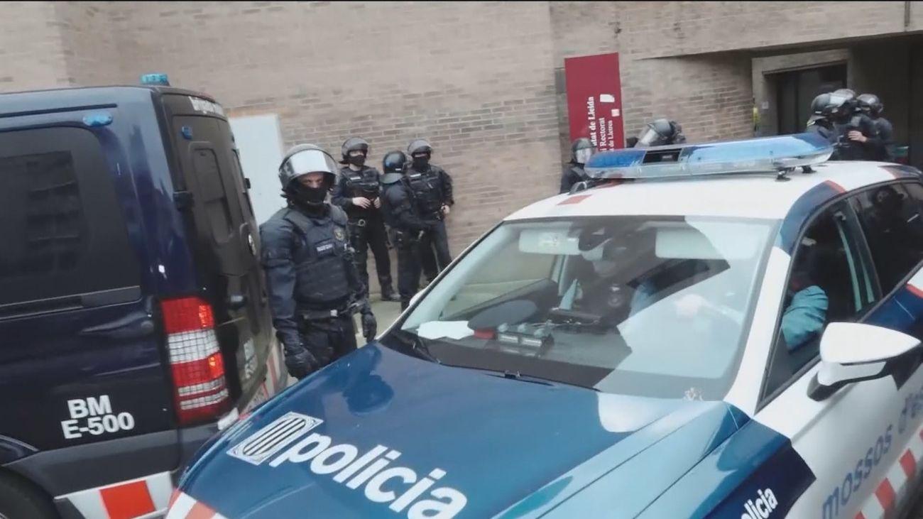 Entra en prisión el rapero Pablo Hasel tras ser detenido por los Mossos