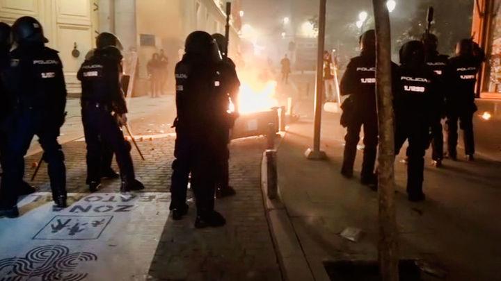 Graves disturbios en Sol tras la manifestación en apoyo a Pablo Hasel
