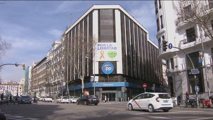 La mayoría de los vecinos y comerciantes de la calle Génova lamentan la marcha del PP de su sede