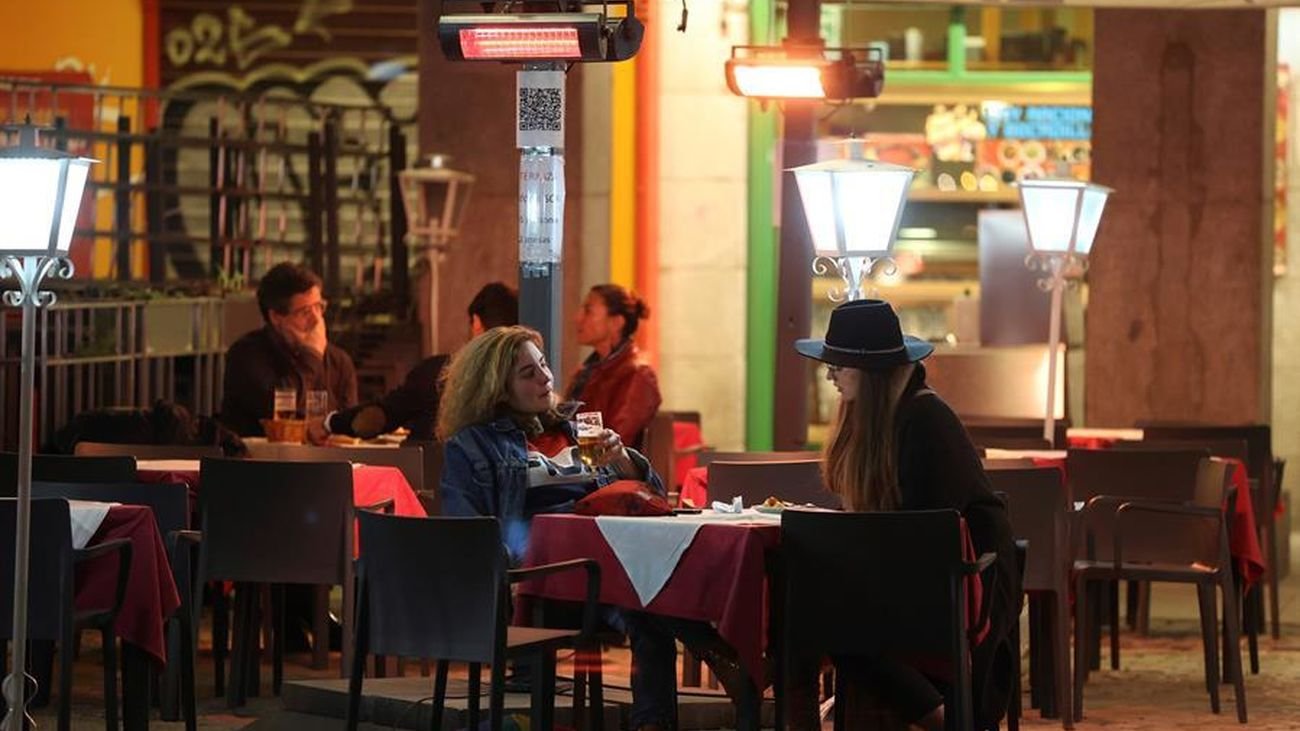 Imagen de la terraza de un bar en Madrid